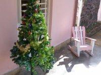 kubanischer Weihnachtsbaum mit Schaukelstuhl